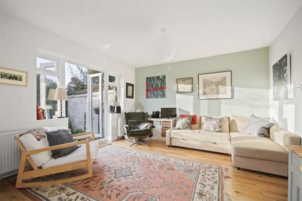 4 Bedrooms Semi Detached House for sale in Queen Annes Gardens, Ealing