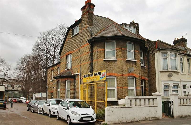 End Of Terrace House for sale in High Road, LEYTON E10