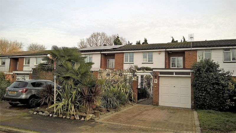 4 Bedrooms Terraced House for sale in Leaf Close, Thames Ditton