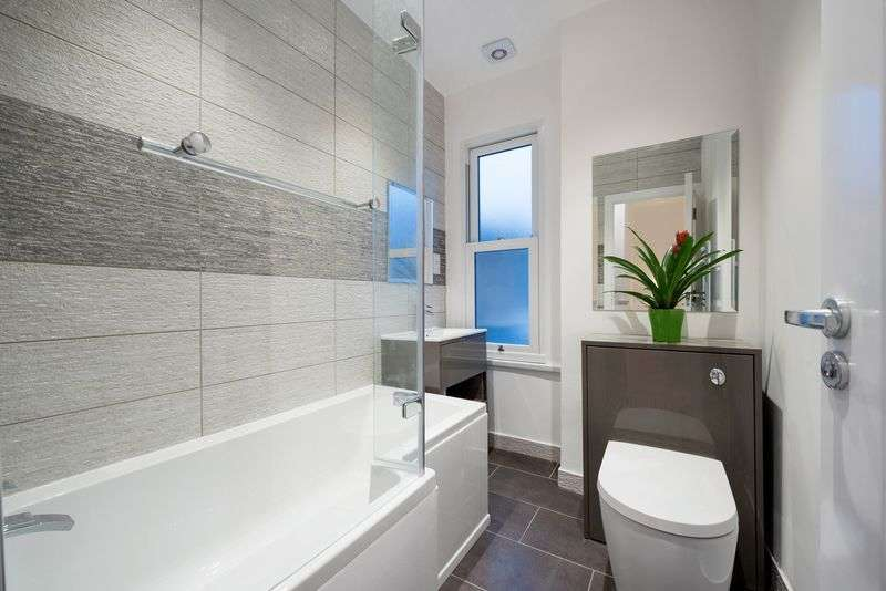 2 Bedrooms Terraced House for sale in Blackshaw Road, Tooting