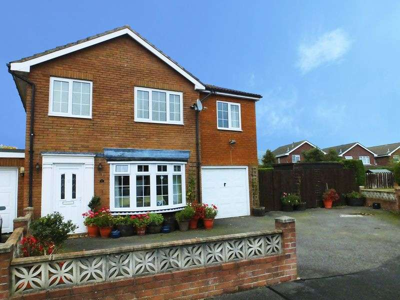 4 Bedrooms Detached House for sale in Croesonen Parc, Abergavenny, Monmouthshire
