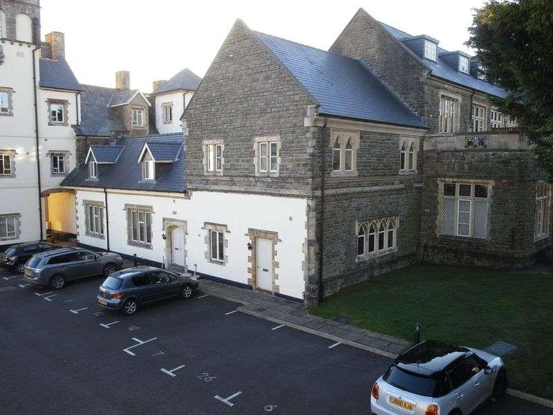 3 Bedrooms Flat for sale in 6 The Manor, Talygarn, Rhondda Cynon Taff, CF72 9WT