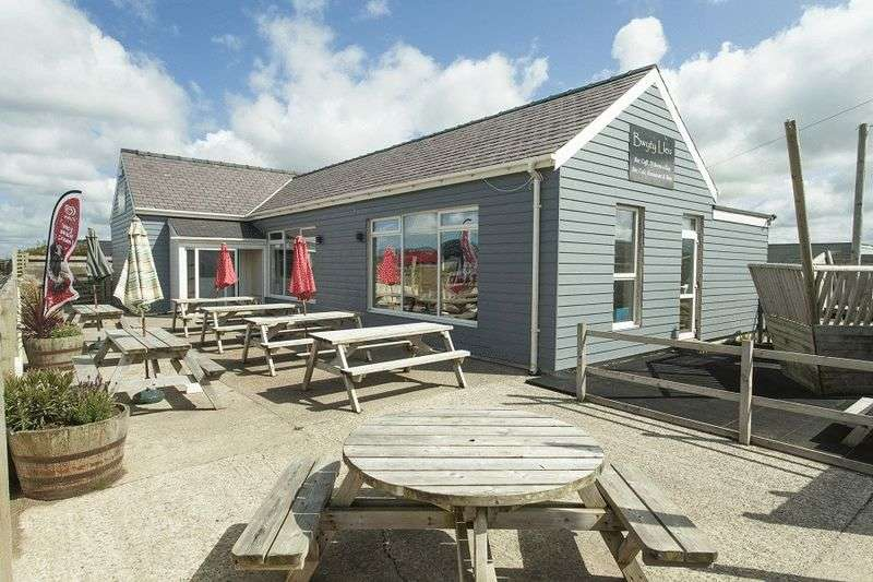 Property for sale in Dinas Dinlle