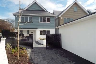 4 Bedrooms Detached House for rent in Harbour View Road, Lower Parkstone *REDUCED FEES IF VIEWED THROUGH AUSTIN & WYATT*