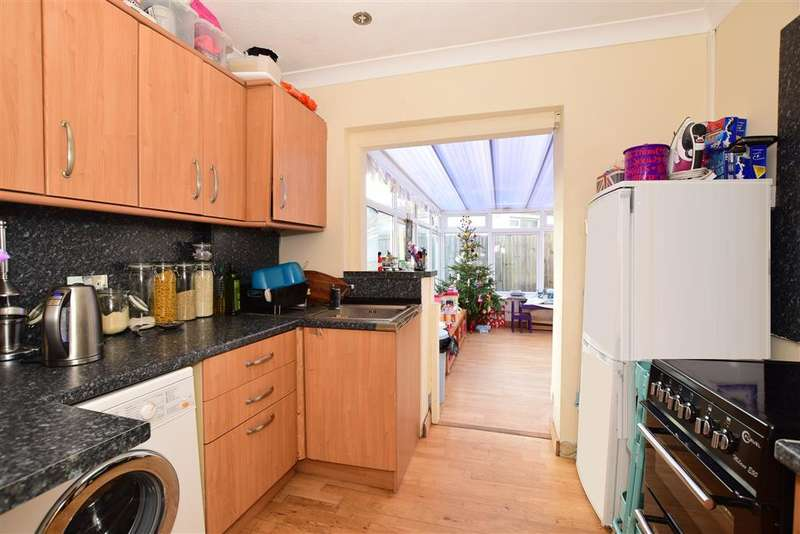 3 Bedrooms Semi Detached House for sale in Clarendon Road, Worthing, West Sussex