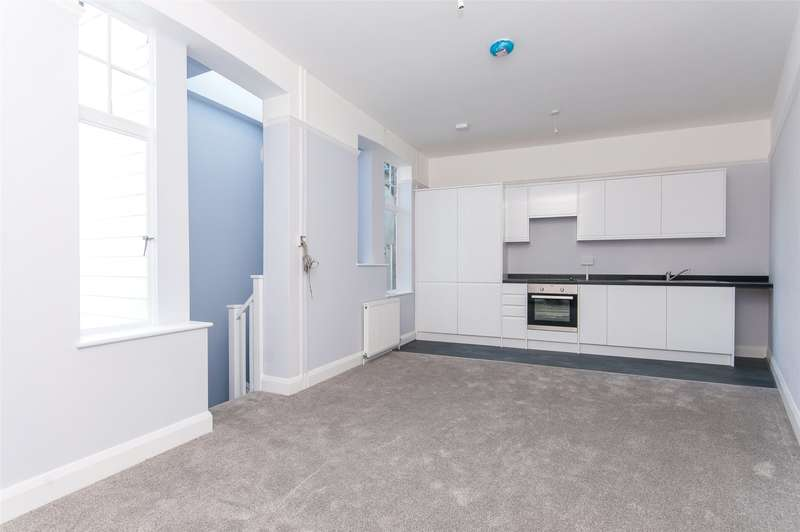 1 Bedroom Apartment Flat for sale in South Street, Dorking, Surrey, RH4