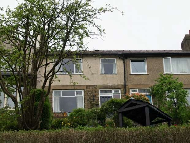 3 Bedrooms Terraced House for sale in Hill Crest Hebden Bridge