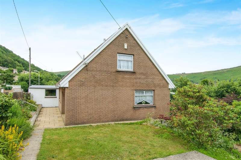 3 Bedrooms Detached Bungalow for sale in Llwynypia Road, Tonypandy