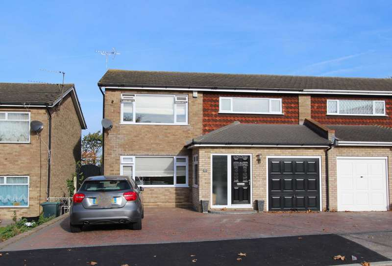 4 Bedrooms Semi Detached House for sale in Nickleby Road, Gravesend