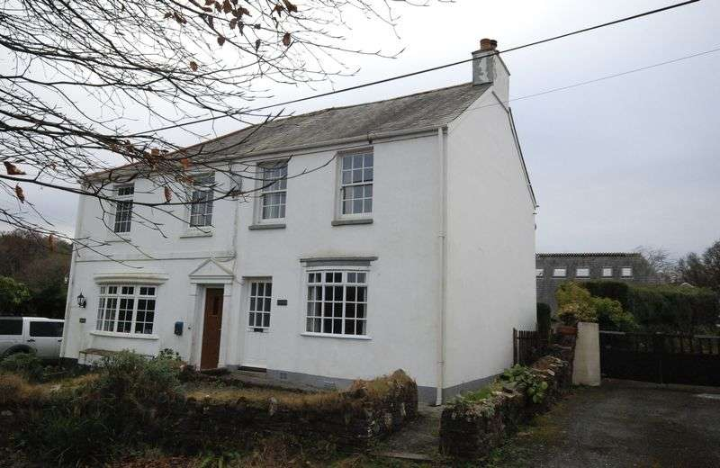4 Bedrooms Semi Detached House for sale in Clearbrook, Yelverton. A fabulous 3/4 bedroomed semi detached family home with ANNEX, garden and garage.