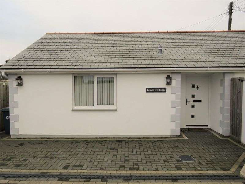 2 Bedrooms Detached Bungalow for sale in Highertown, Truro