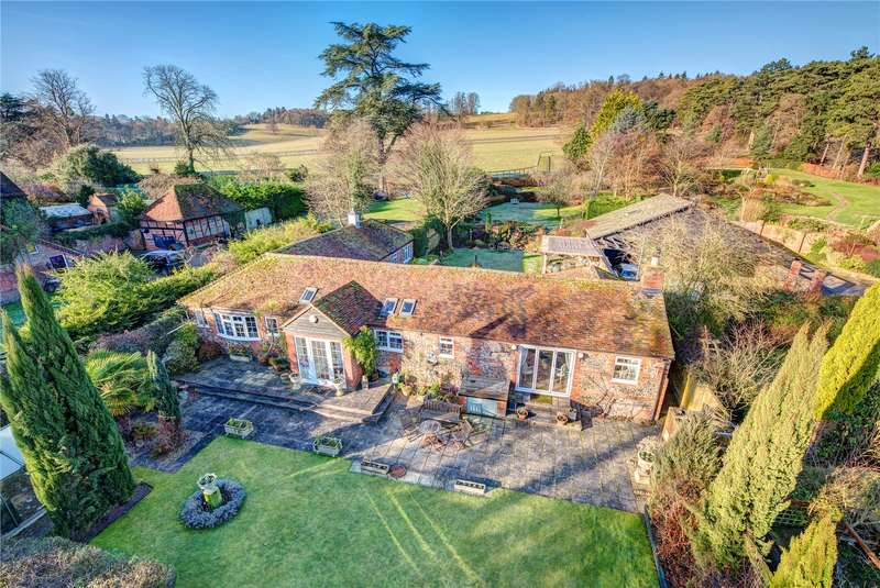 3 Bedrooms Detached House for sale in Fawley Court Farm, Marlow Road, Henley-on-Thames, Oxfordshire, RG9