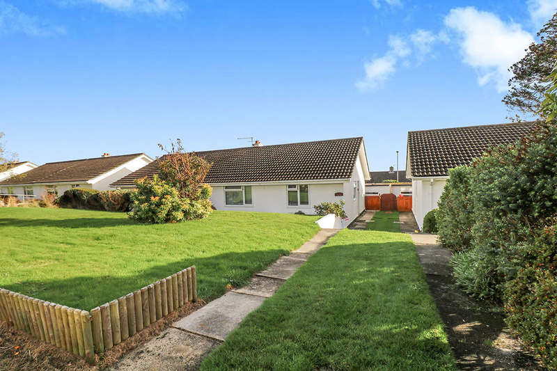 2 Bedrooms Semi Detached Bungalow for sale in Carrickowel Crescent, St. Austell, PL25