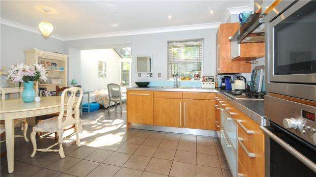 4 Bedrooms Terraced House for sale in St. James Gate, Sunningdale, Berkshire