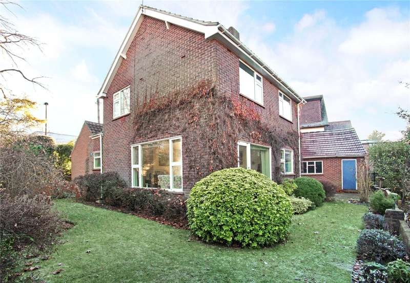 3 Bedrooms Detached House for sale in Bolton Crescent, Windsor, Berkshire, SL4