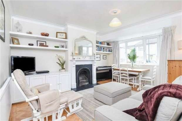 2 Bedrooms Maisonette Flat for sale in Fulwood Gardens, Twickenham