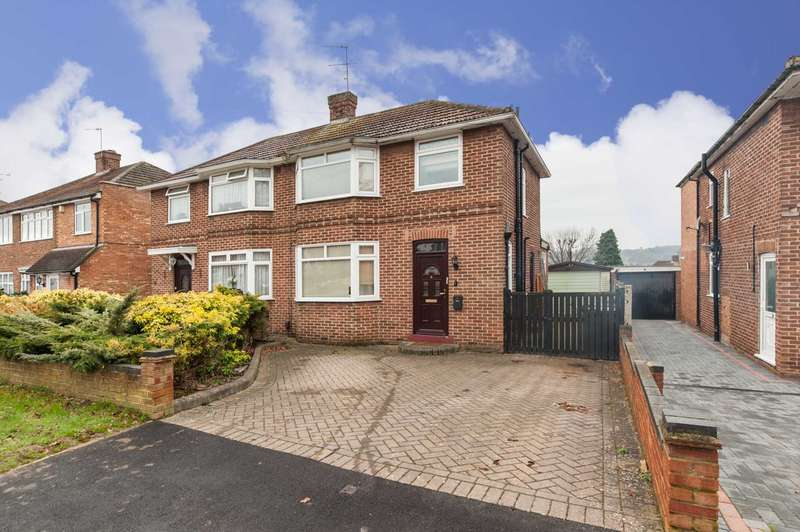 3 Bedrooms Semi Detached House for sale in Nash Mills, Hemel Hempstead