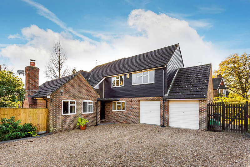 4 Bedrooms Detached House for sale in Marlpit Close, Edenbridge, TN8