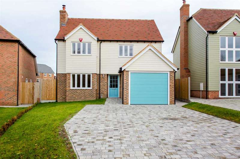 4 Bedrooms Detached House for sale in The Meadows, Sittingbourne