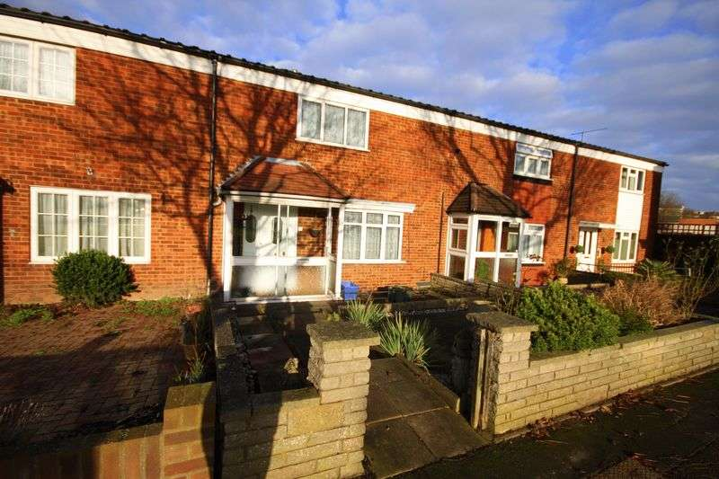 2 Bedrooms Terraced House for sale in Fairways, Waltham Abbey, EN9