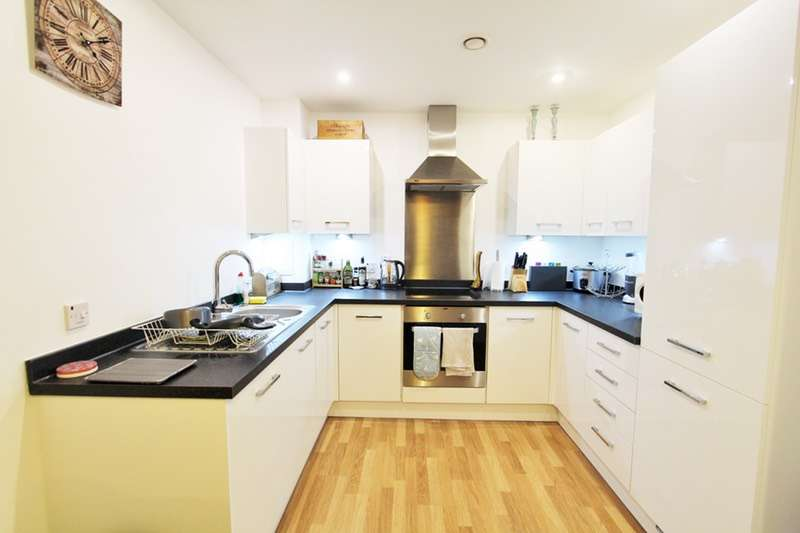 1 Bedroom Flat for sale in Bloemfontein Road, London, London, W12