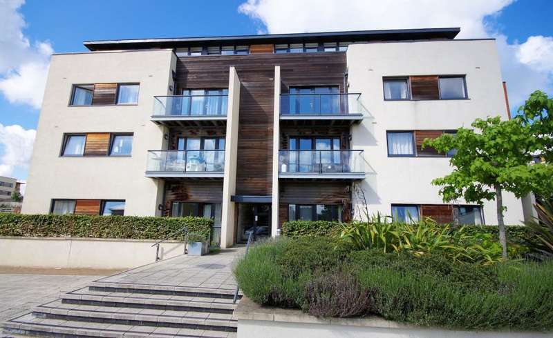 1 Bedroom Flat for sale in PEACOCK CLOSE, MILL HILL EAST, NW7