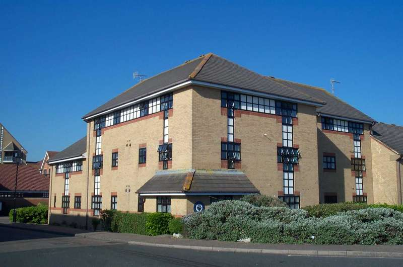 2 Bedrooms Property for sale in Emerald Quay, Shoreham-By-Sea