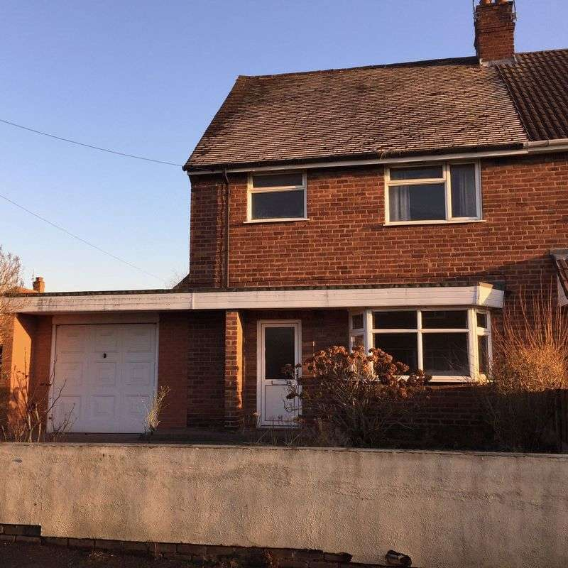 3 Bedrooms Semi Detached House for sale in Slim Road, Walsall