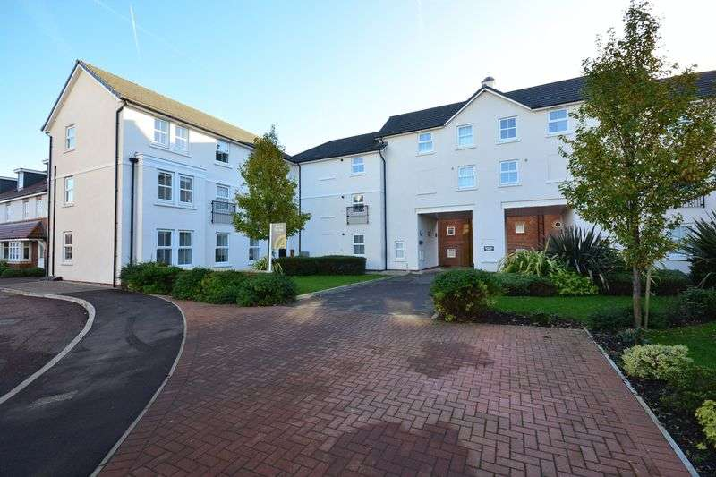 2 Bedrooms Flat for sale in Imperial Court, Walton Locks, Walton, Warrington