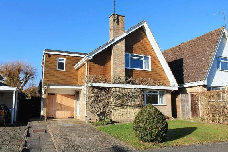 3 Bedrooms Detached House for sale in Broomfield Drive, Billingshurst