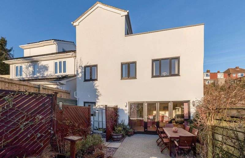 4 Bedrooms Detached House for sale in Highbank, Westdene, Brighton,
