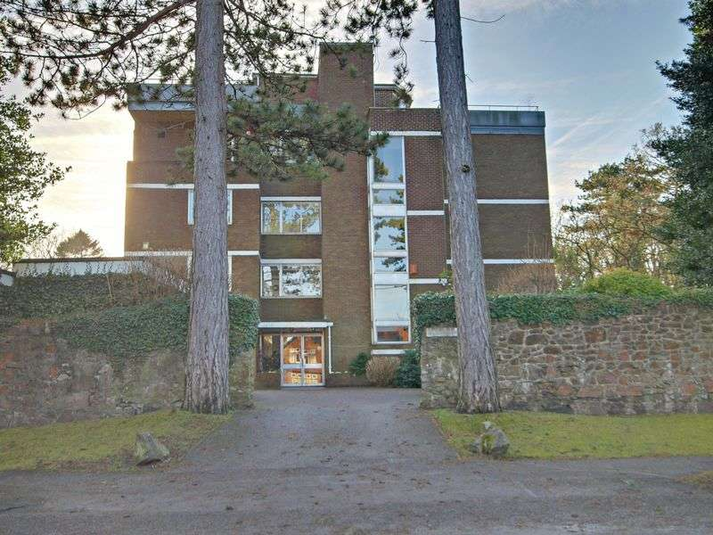 3 Bedrooms Flat for sale in Church Road, Bristol