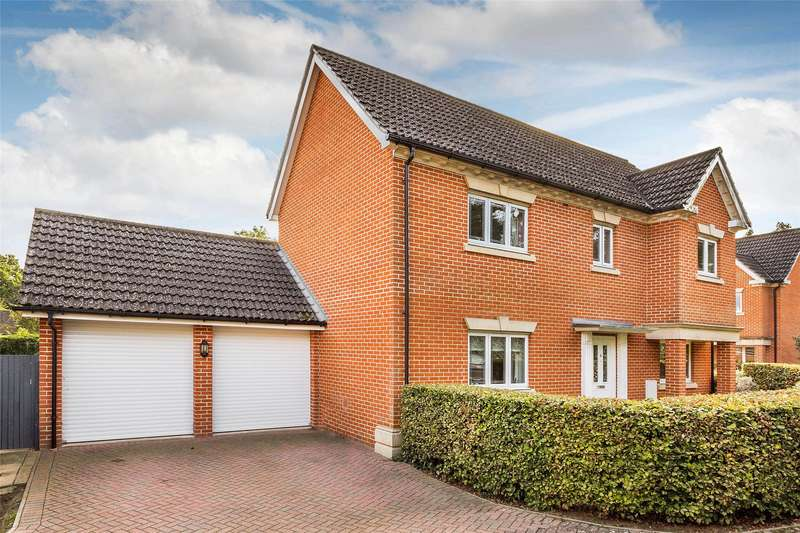 4 Bedrooms Detached House for sale in The Hollies, Oxted, Surrey, RH8