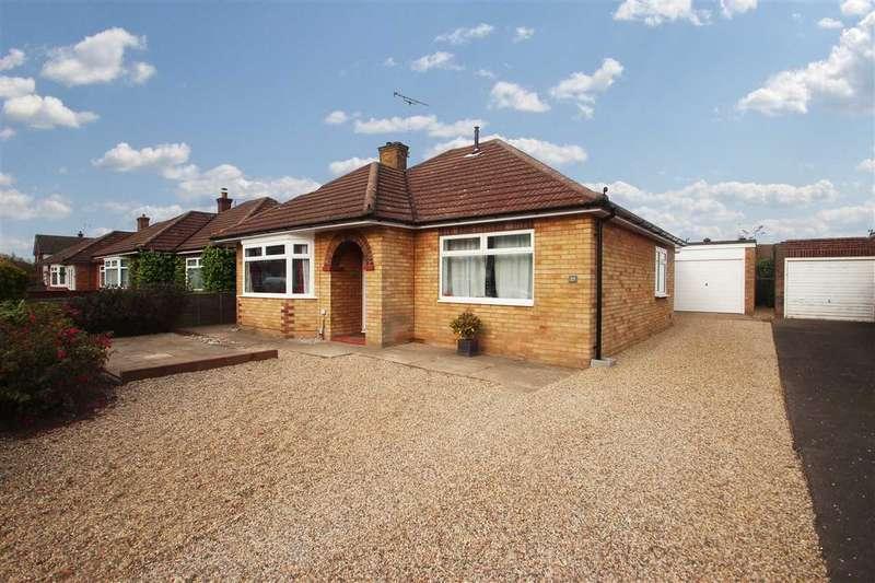 3 Bedrooms Bungalow for sale in Magazine Farm Way, Prettygate, Colchester