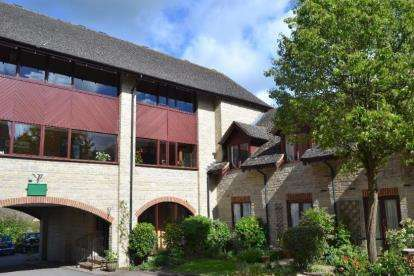 2 Bedrooms Flat for sale in Mill View, West Street, Chipping Norton, Oxfordshire
