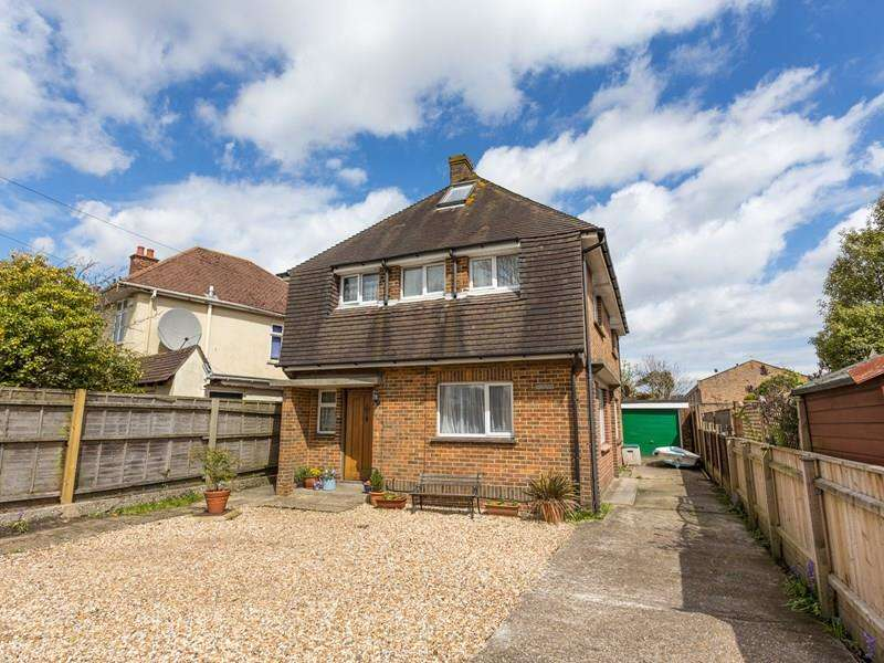 5 Bedrooms Detached House for sale in Sandbanks Road, Whitecliff, Poole