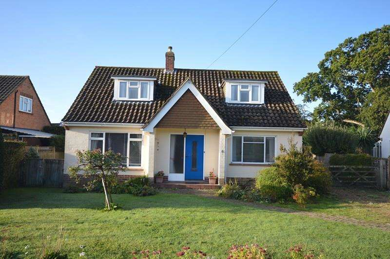 3 Bedrooms Property for sale in Lisle Close, Lymington