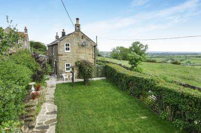 2 Bedrooms Detached House for sale in Blue Bank, Sleights, Whitby, North Yorkshire