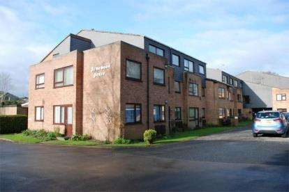 1 Bedroom Flat for sale in Milford Road, Lymington, Hampshire