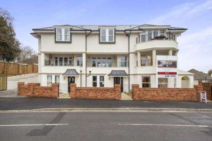 3 Bedrooms House for sale in Christchurch, Dorset