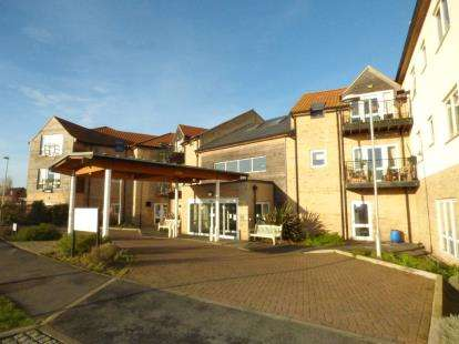 2 Bedrooms Flat for sale in Airfield Road, Bury St. Edmunds, Suffolk