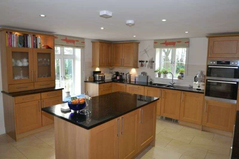 4 Bedrooms Detached House for sale in HILLCREST GARDENS, EXMOUTH, NR EXETER, DEVON