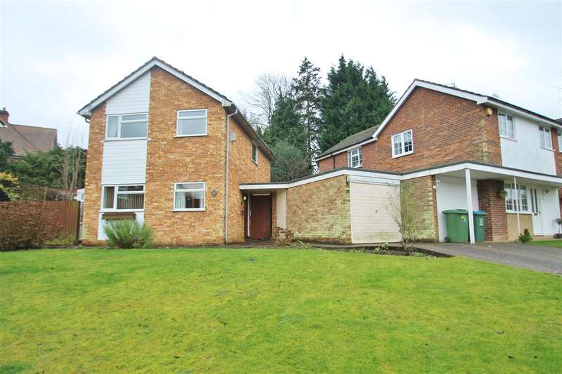 3 Bedrooms Detached House for sale in Chandos Close, Buckingham