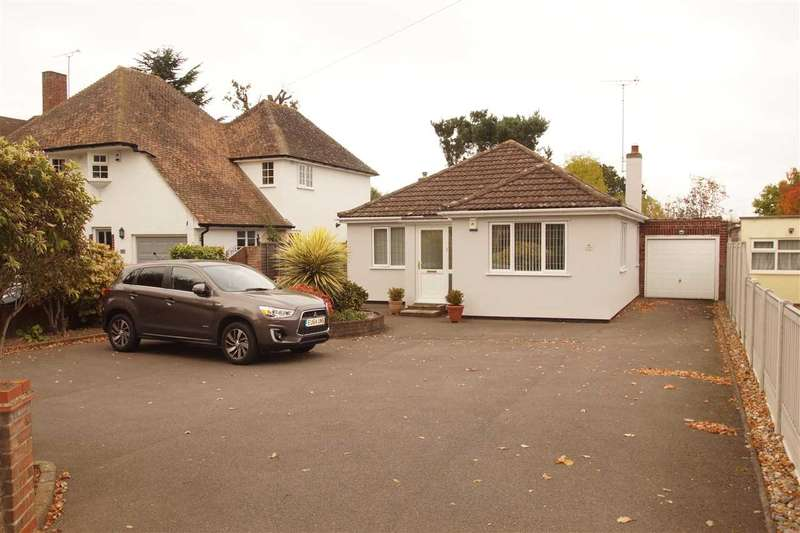 2 Bedrooms Bungalow for sale in Straight Road, Colchester
