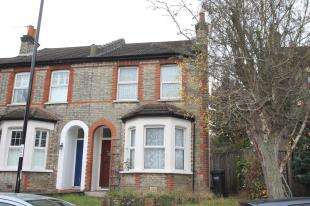 2 Bedrooms Semi Detached House for sale in Chelsham Road, South Croydon