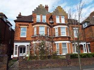 1 Bedroom Flat for sale in Kingsnorth Gardens, Folkestone