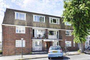 2 Bedrooms Flat for sale in Willow Court, Palmeira Avenue, Hove, East Sussex