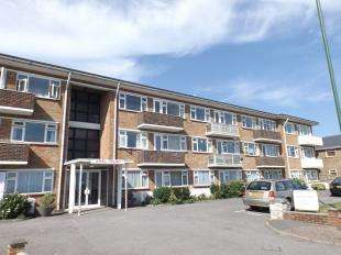 2 Bedrooms Flat for sale in Ariel Court, Brighton Road, Lancing, West Sussex