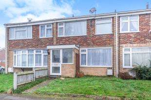 3 Bedrooms Terraced House for sale in Landrail Road, Lower Halstow, Sittingbourne, Kent
