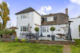 4 Bedrooms Detached House for sale in Arkwright Road, Sanderstead, South Croydon, .